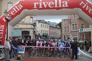 282 riders at the start of LA CHARLY GAUL A